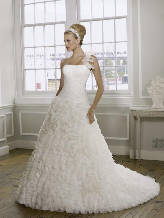 Günstige Hochzeitskleider Online Blog: Designer Brautkleider für ...