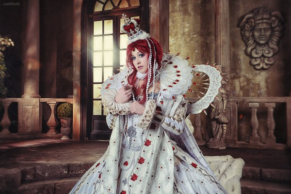 Trinity Blood - Young Queen