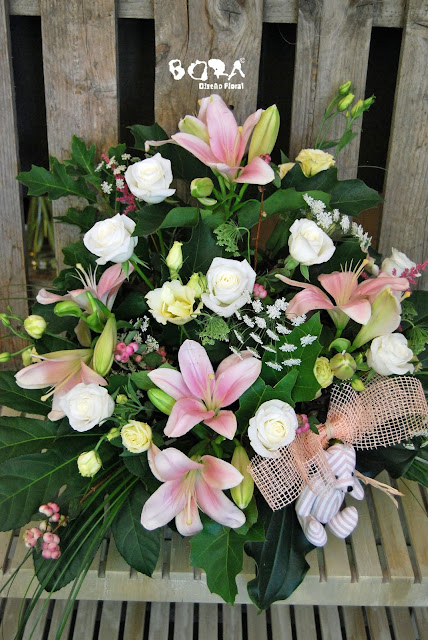 centros flores y peluche