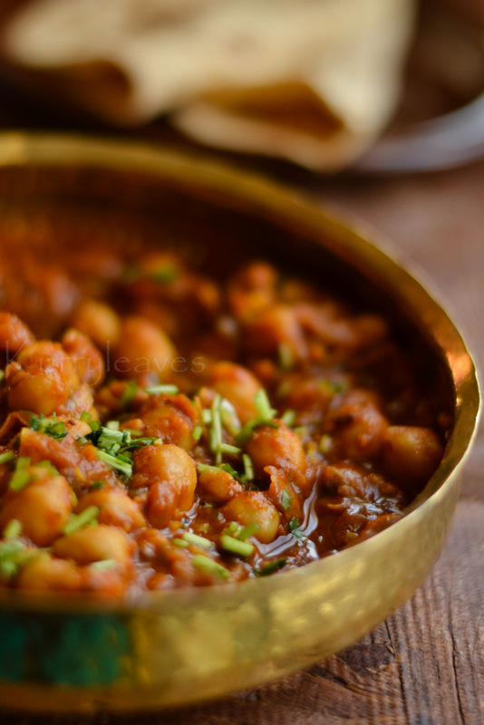 Chana Masala | Chole Masala (with coconut) | kurryleaves