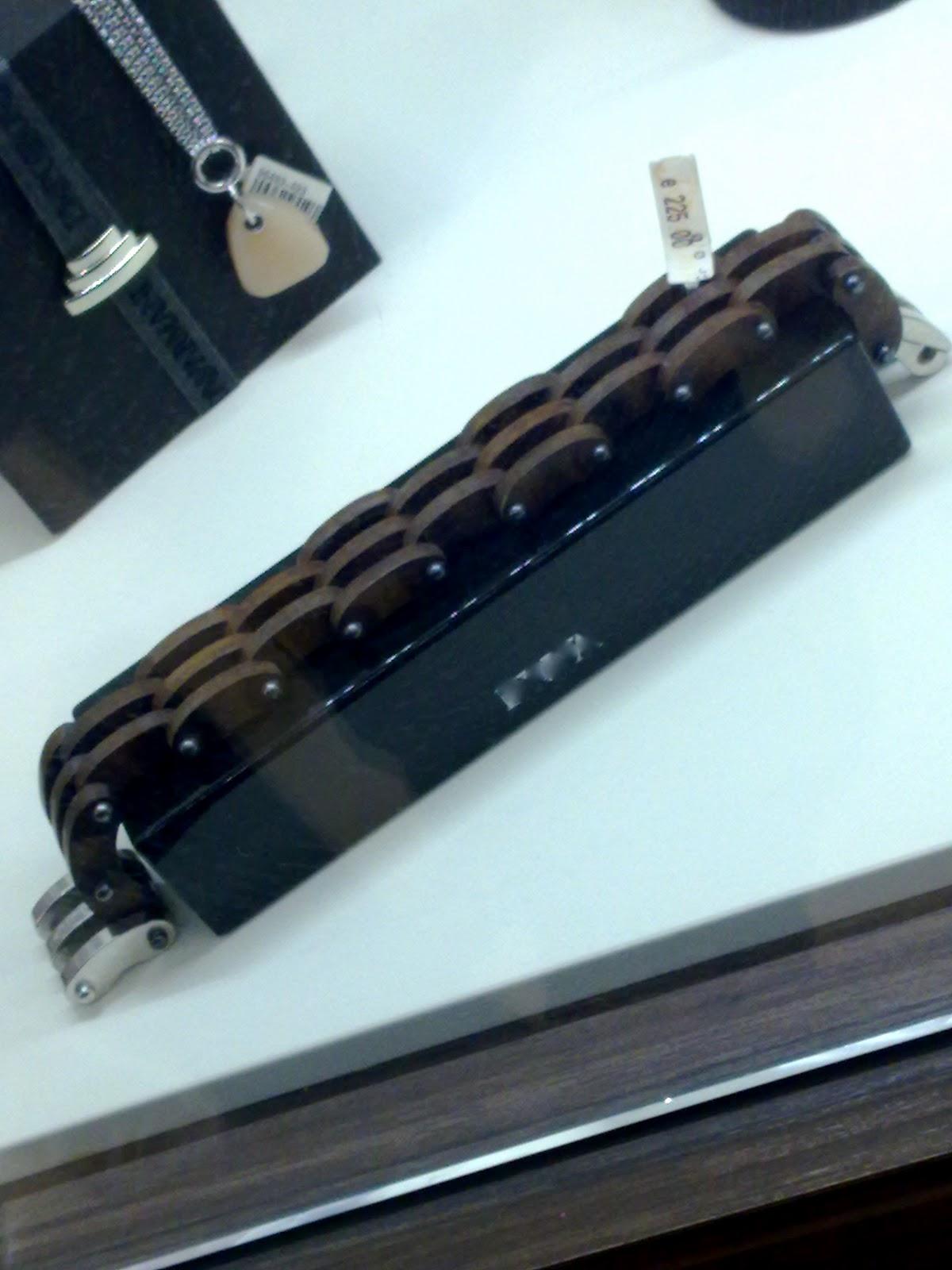 Il mastro geppetto costruire un braccialetto da uomo in legno for Costruire uno scuro in legno