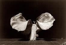 Loie Fuller, dance artiste in fin-de-siècle Paris, 1902