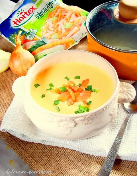 Serowa zupa z wędzonym łososiem