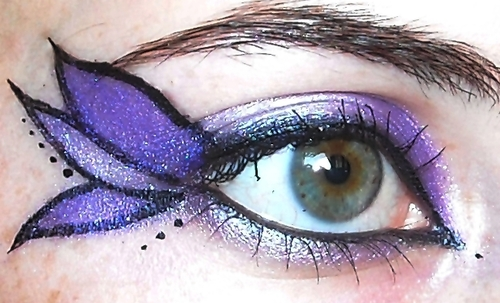 Purple Leafy Eye Makeup