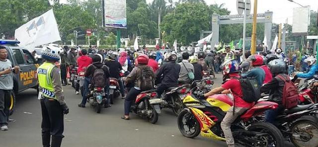 Komunitas Motor Siap Demo! Gegara Pihak Kepolisian Memberlakukan Aturan Modifikasi Motor Denda Maksimal Rp 24 juta, Waw!