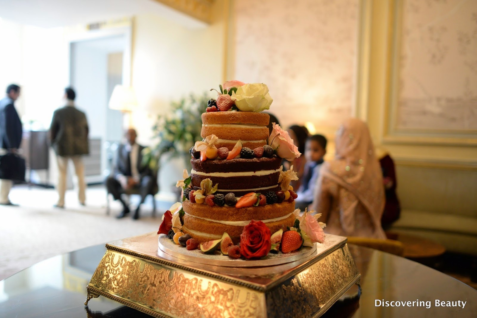 Daisy cakes naked cake wedding