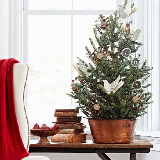 simple tabletop Christmas tree, rustic, natural