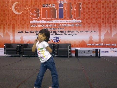 Aksi Lil Aireen Kat SMITF 2012