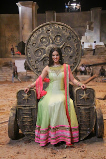 Actress Sunny Leone Latest Pictures at Ek Paheli Leela Movie Sets 26