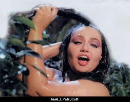 بزاز الفنانه مروه http://movies--youtube.blogspot.com/2013/01/blog-post_21.html