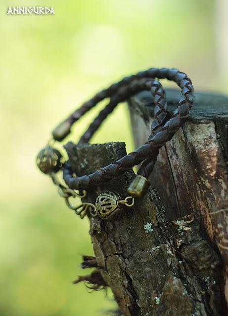 украшения, бижутерия, браслеты, кожа, кожаные браслеты, плетеные браслеты из кожи, коричневый, керамические бусины, натуральные материалы, этно, эко, кантри, бохо