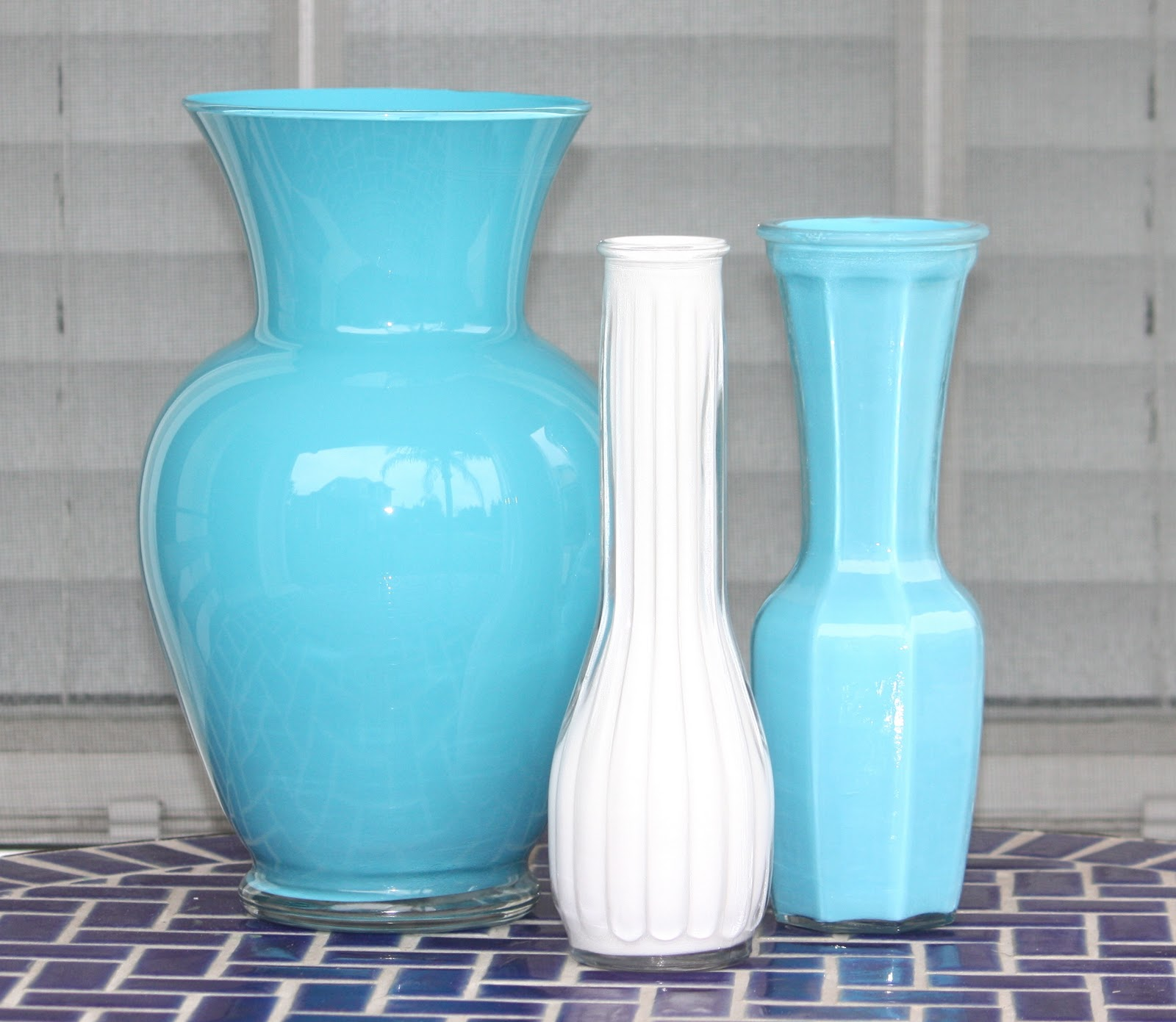 Desperate craftwives acrylic painted vases for Can i paint glass with acrylic paint