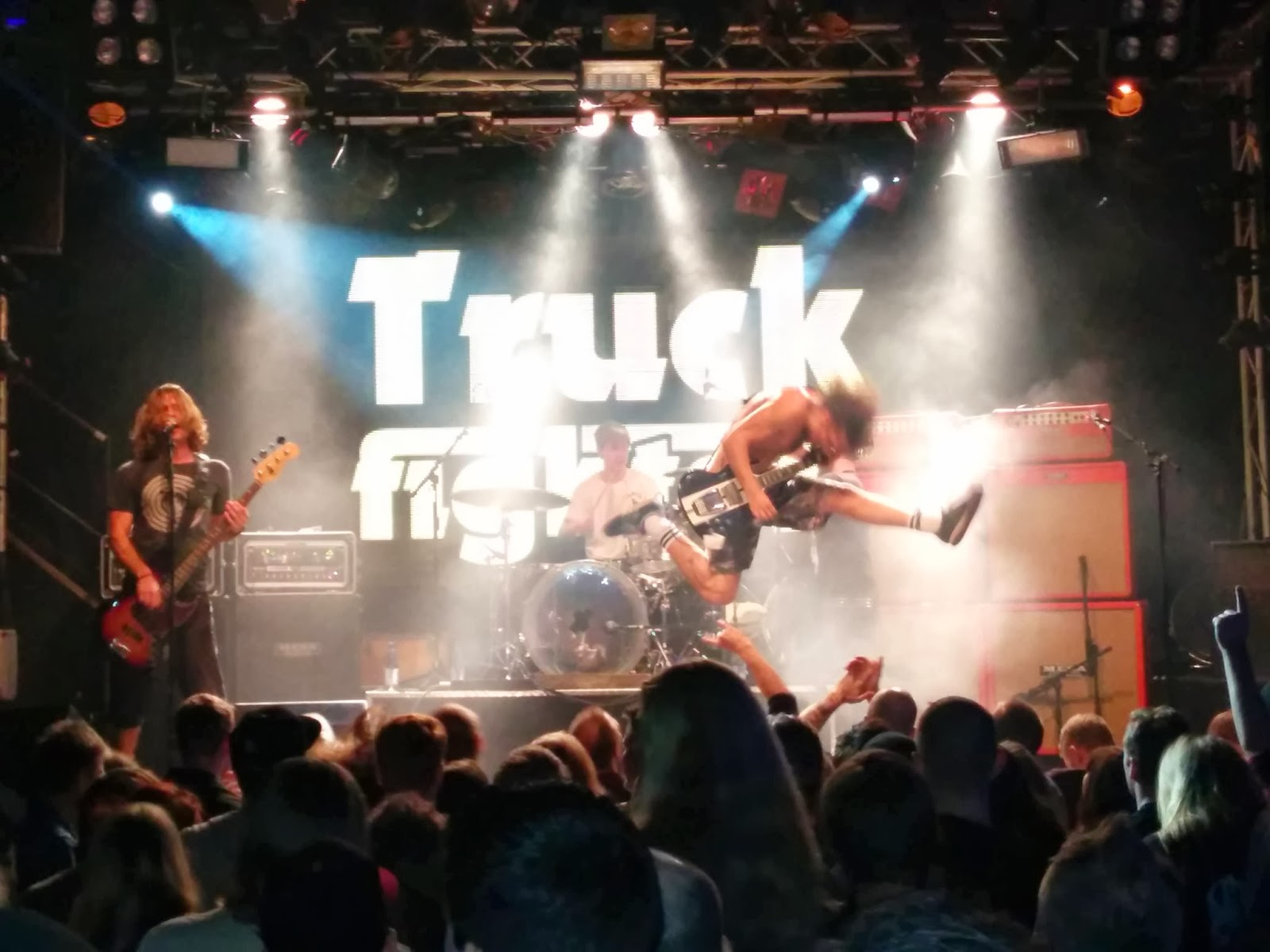 https://www.ticketea.com/search/?search_term=truckfighters