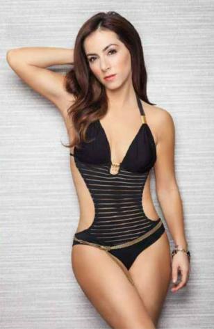 Esmeralda Pimentel H Extremo Claudia Lizaldi En Revista