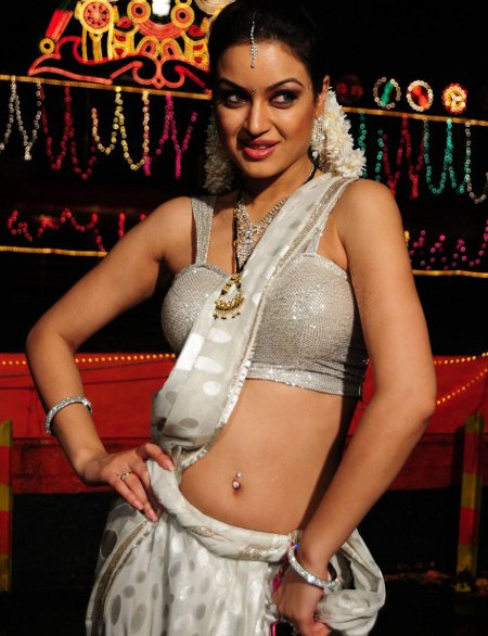 , Maryam Zakaria Hot Pics