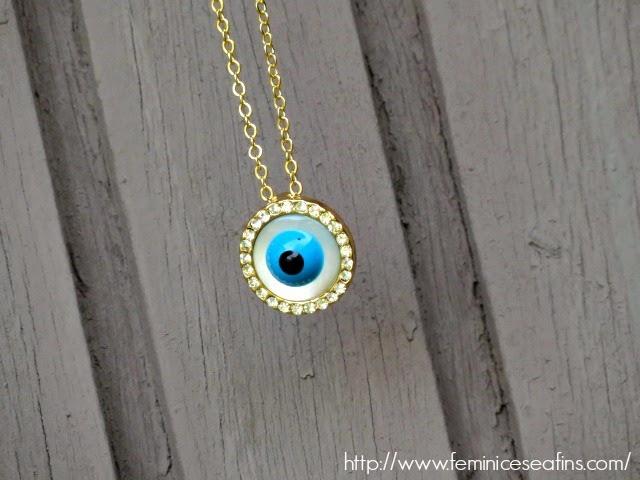 Colar Dourado Olho Grego