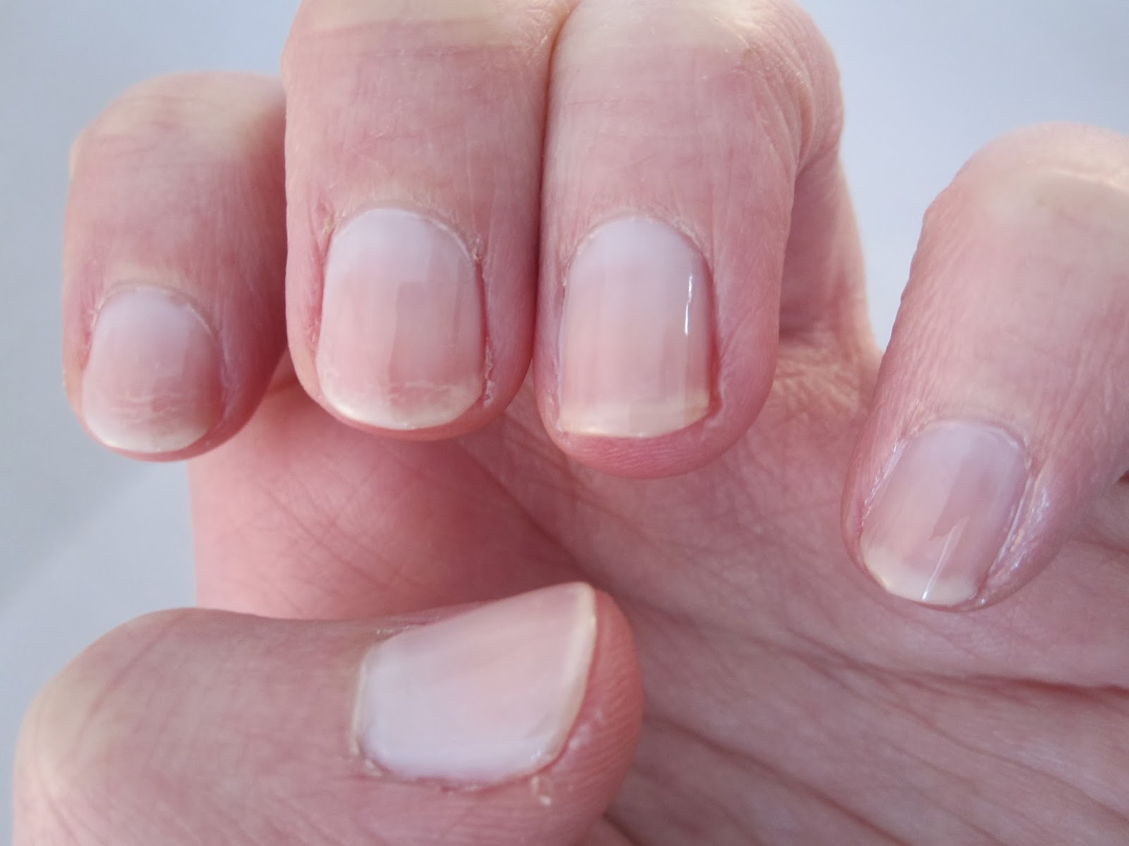 Bern\'s Nail Polish Blog: Essie Allure Nail Swatch and Review