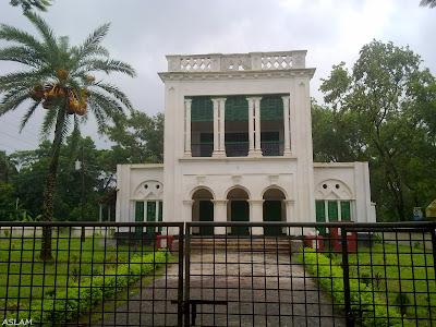 Dakkhindihi Tagore Complex