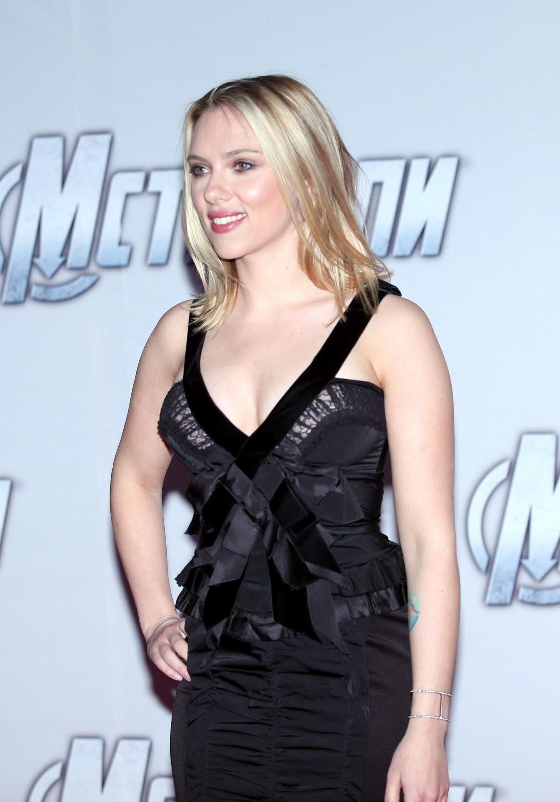 http://2.bp.blogspot.com/-k4ITB2r27XE/T4_YtRYgLXI/AAAAAAAAHyQ/ACgL6ciNZYo/s1600/Scarlett-Johansson-The-Avengers-Premiere-4.jpg