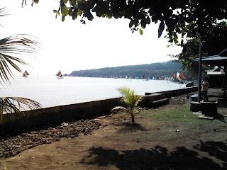 Objek Wisata Pantai Pasir Putih Situbondo