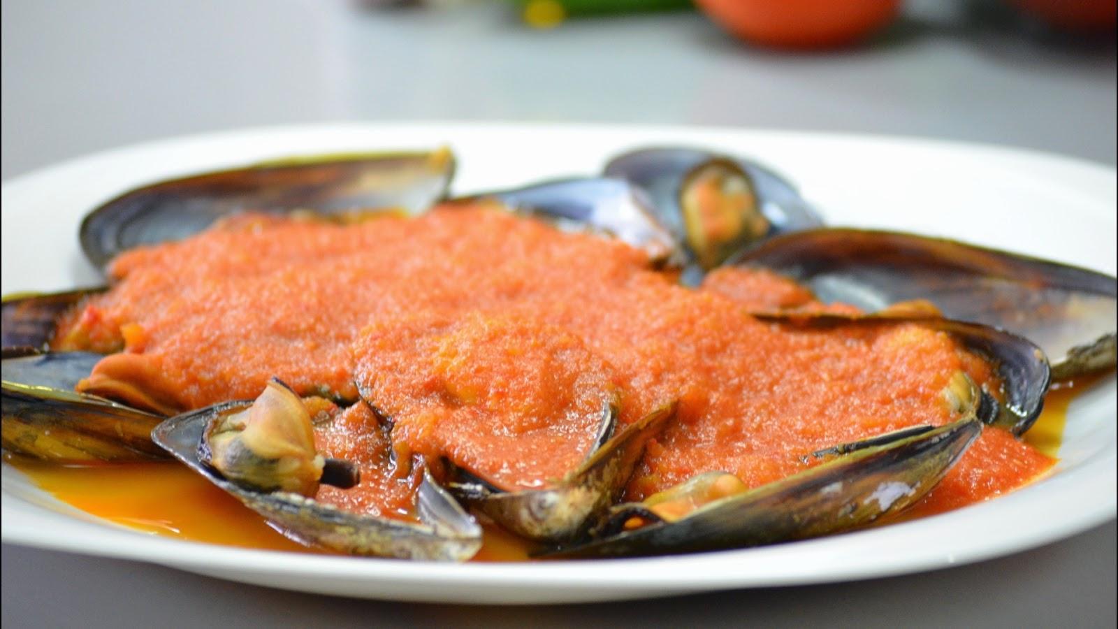 Mejillones con salsa picante for Cocinar mejillones en salsa