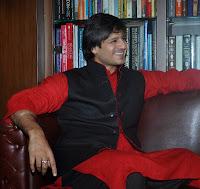 Vivek Oberoi With His Wife Priyanka on Diwali Celebration