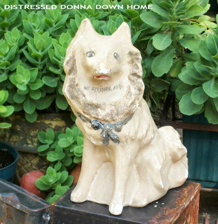 vintage finds, thrift shops, chalkware dog