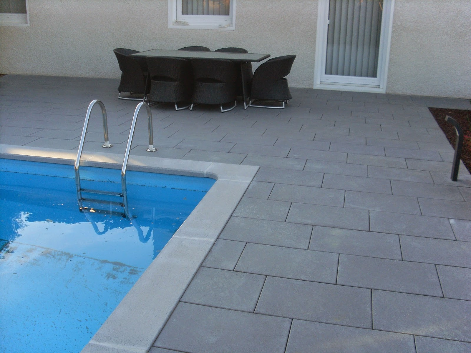 Hervier paysages mai 2014 for Joint carrelage piscine