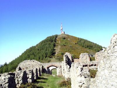 ruinas del fuerte, en el monte Serantes, santurtzi