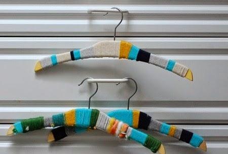 Decorar perchas infantiles - forrar con lana