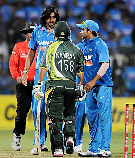 kamran akmal fight with  indian bowler Ishant Sharma