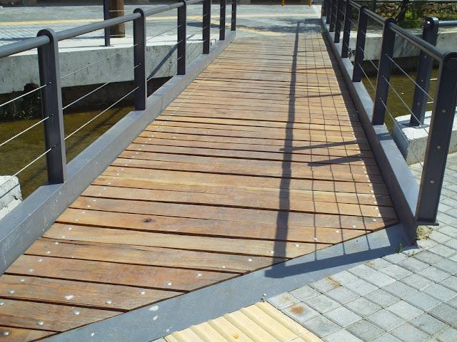 Γέφυρες αναπλάσεων, αλλά όχι για κυρίες με τακούνια