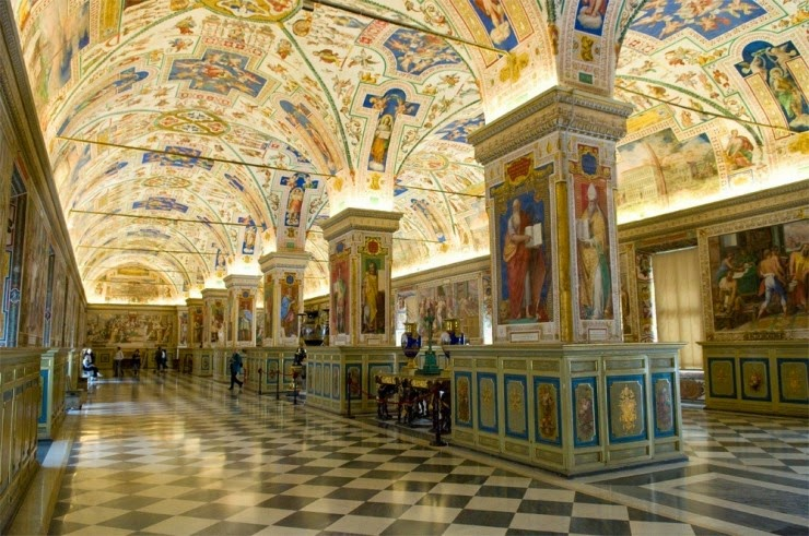 1. The Sistine Hall of the Vatican Library, Vatican City - 31 Incredible Libraries and Bookstores Around the World
