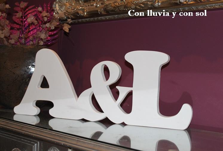 letras decorativas de madera aul enlazadas