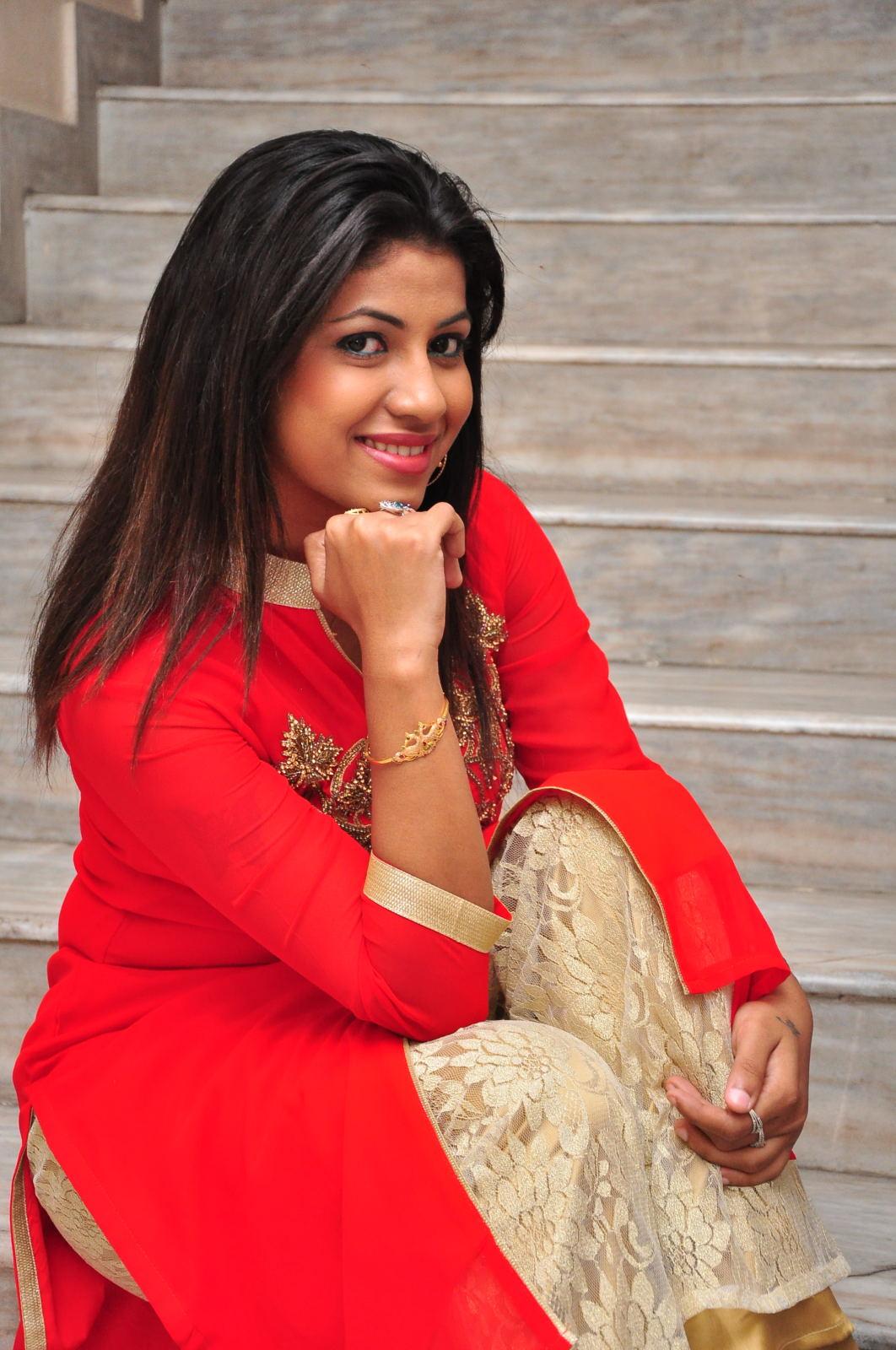 Geethanjali glam pics-HQ-Photo-13