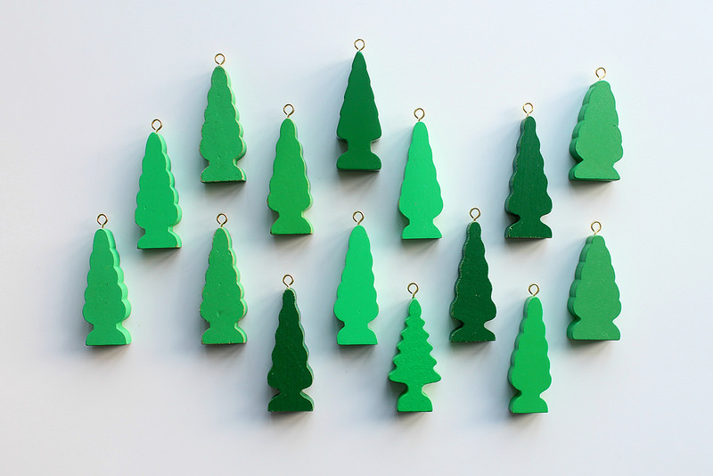 DIY Wooden Tree Decorations