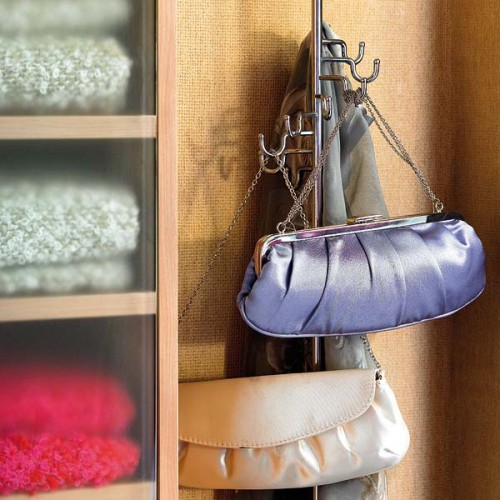 Practical bag storage ideas luxury lifestyle design - Como guardar los bolsos ordenados ...