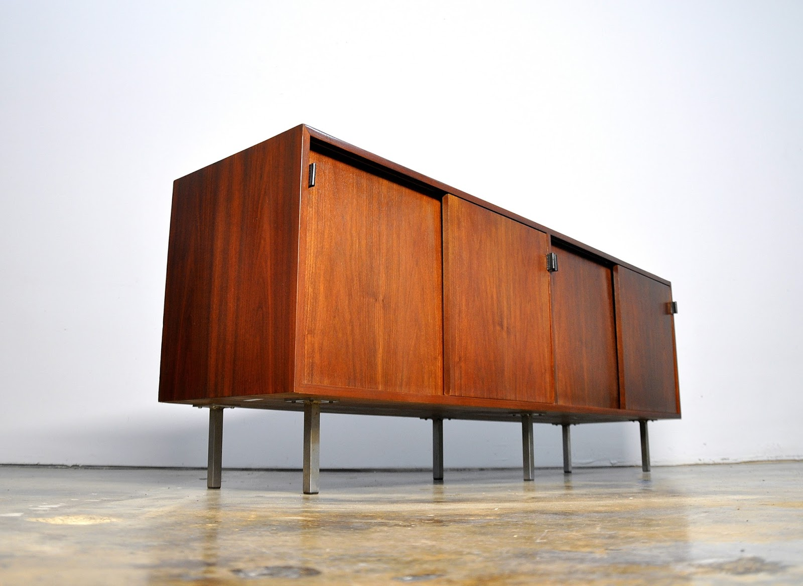 Select modern florence knoll credenza bar buffet for Knoll and associates