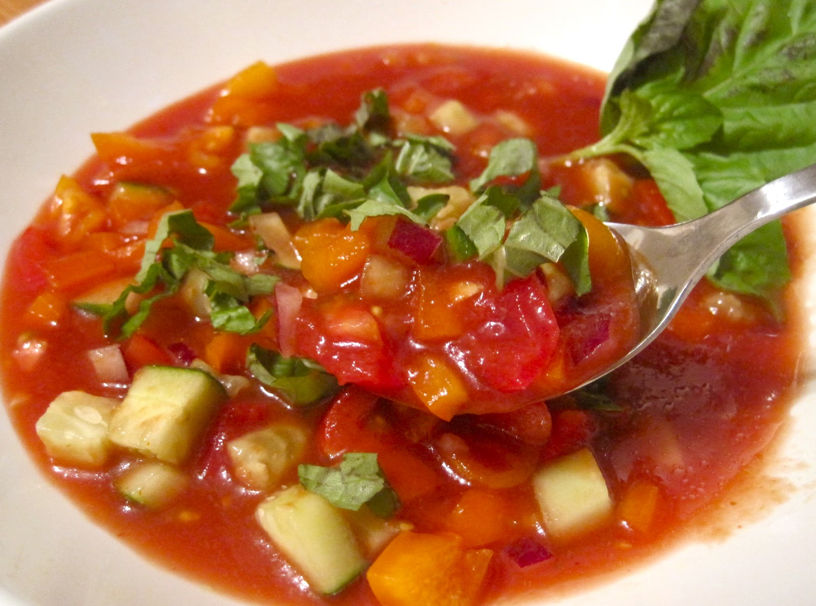 Easy Summer Gazpacho (from Health Magazine Jul/Aug 2005 issue)