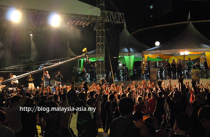 Borneo Jazz Festival Crowd Photos