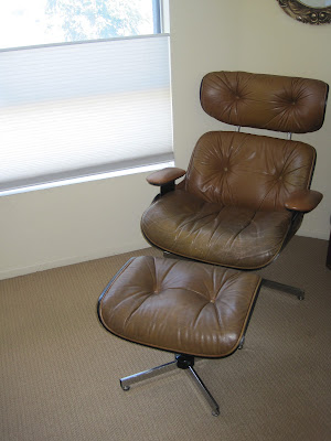 brown-leather-eames-chair