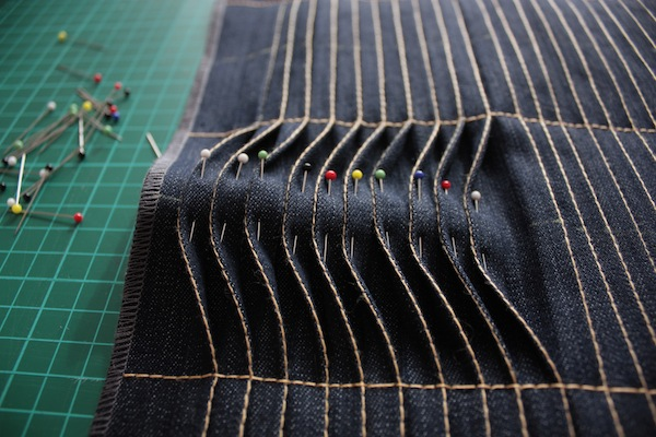 fabric manipulation · almohadón · 15 volcar las solapas · Ro Guaraz