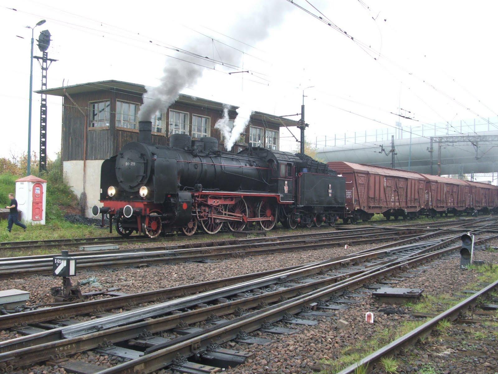 http://2.bp.blogspot.com/-k6WpWIe1qD4/Tb2B4Pma8fI/AAAAAAAACJ0/mZ3ooLNeJE4/s1600/black-cargo-train.jpg