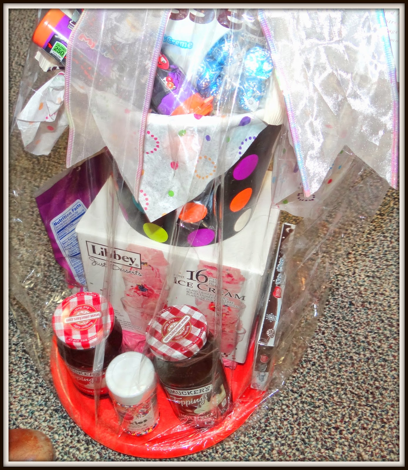 Wedding Gift Ideas For Niece : ... this gift was wrapped up so pretty! Great idea for a Bridal Shower