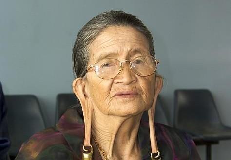 """""""إطالة شحمة الأذن""""من ثقافة قبيلة الـ""""كيلابيت"""""""