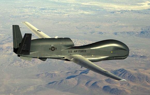 Pesawat mata-mata tak berawak RQ-4 Global Hawk