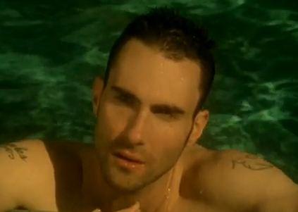 mamada gratis sexo en la piscina