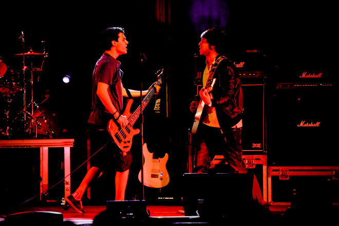 paulosantos bass e churky rico guitar dr.cavalheiro tour 2011