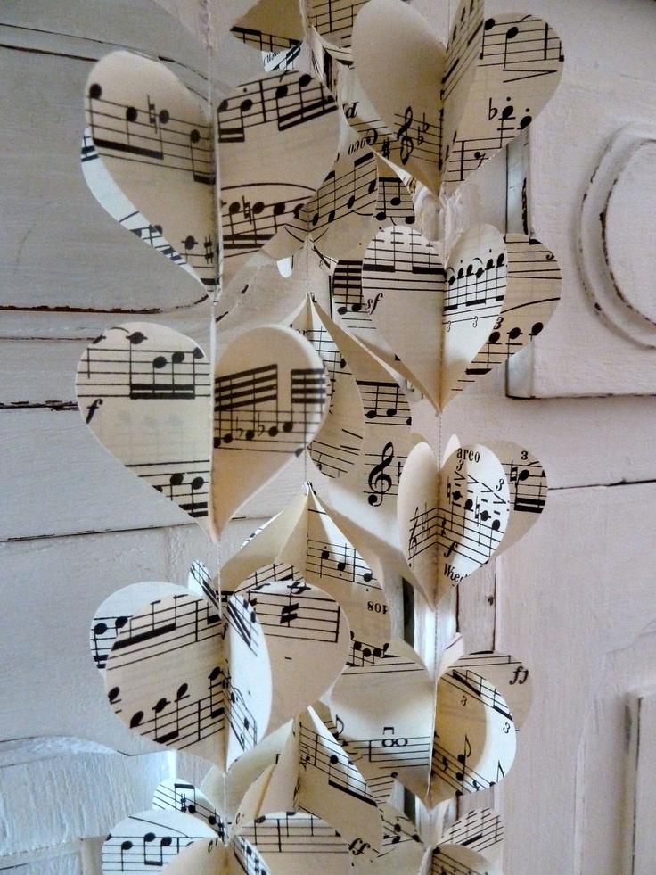 bodas a mares: decorar con partituras