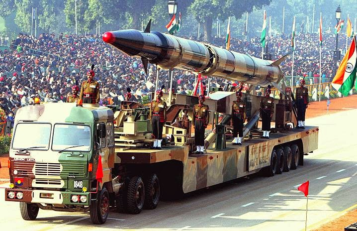 India defence Agni II missile (Republic Day Parade)